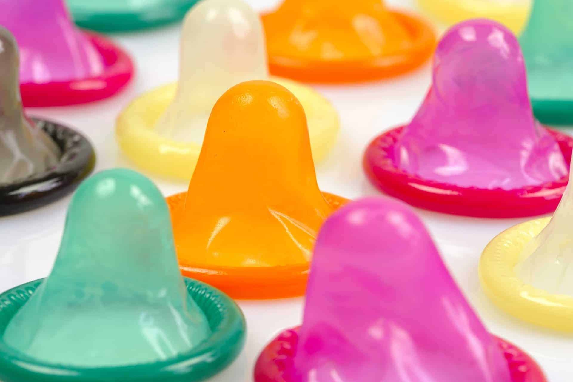 Kondome– Anwendung, Zuverlässigkeit, Haltbarkeit und Sicherheit